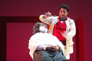 Figaro fa la barba a Bartolo