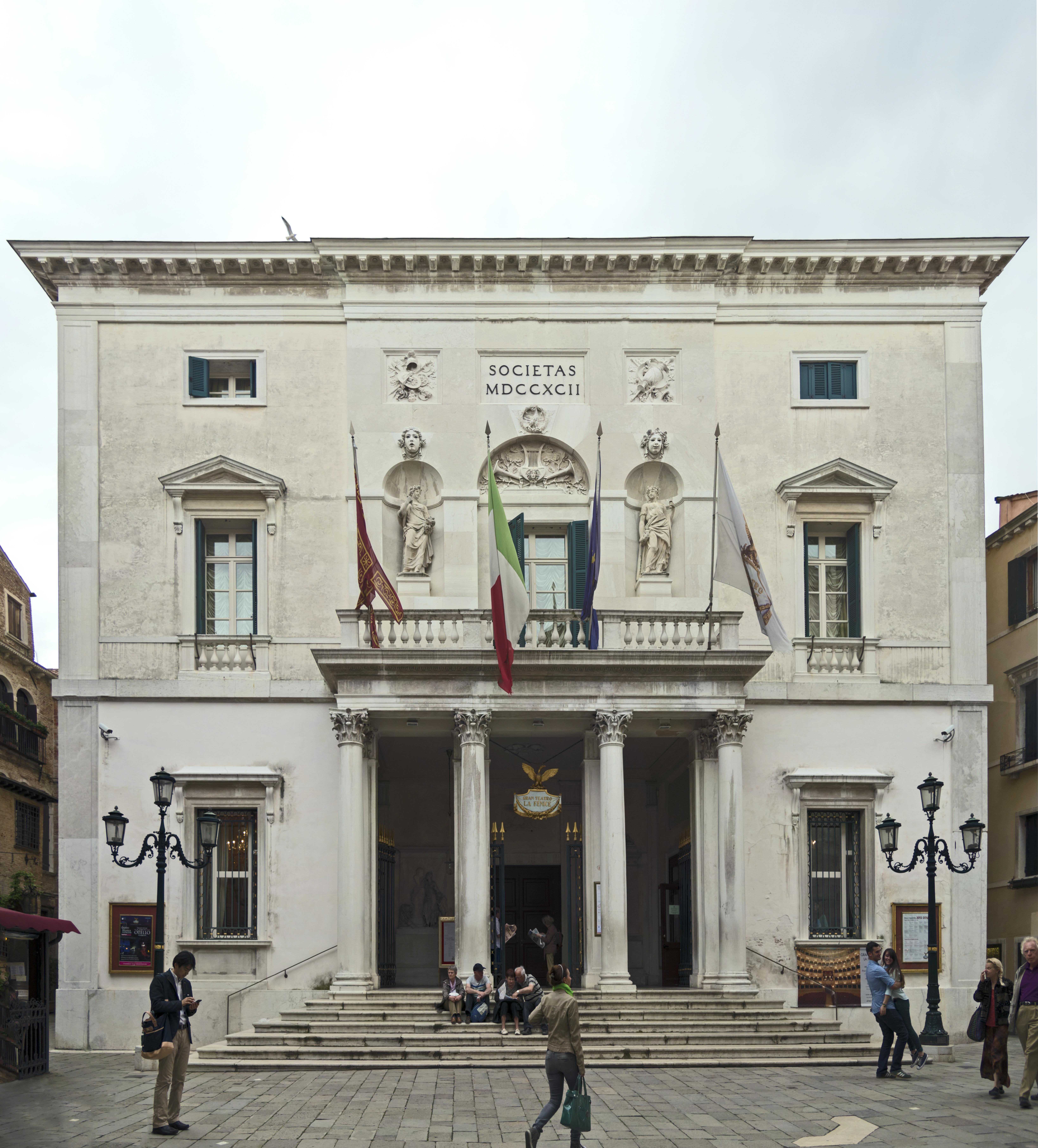 Teatro_La_Fenice_Facade